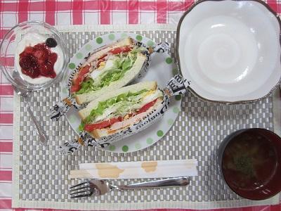 2018.10.15 なでしこ 昼食会 01.jpg